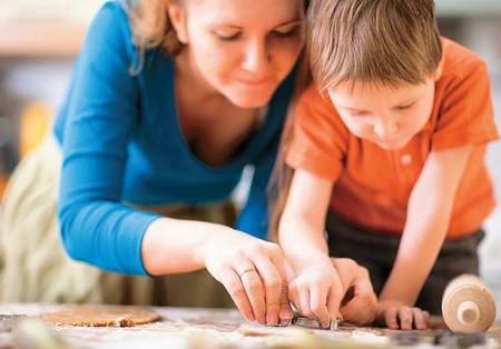 видио ролик сын гладит матери ножки