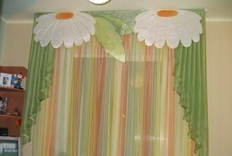 аппликация из ткани на шторах