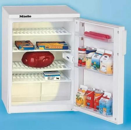 Загадки для детей 10 лет. Холодильник