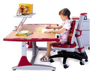 загадки про письменный стол