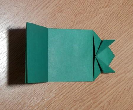как сделать из бумаги лягушку. фото 3