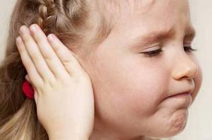 нужно ли прокалывать уши девочкам