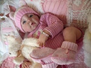 куклу реборн можно одевать