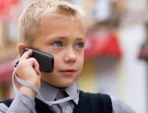 давать ли телефон в школу