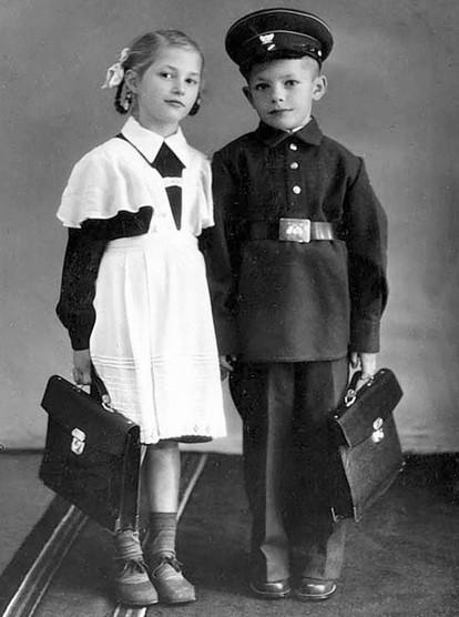 школьная форма снова появилась только после Великой Отечественной войны