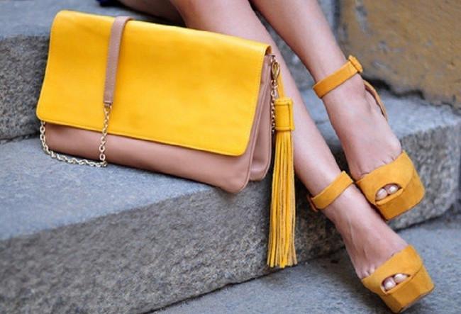 обувь и сумка одного цвета