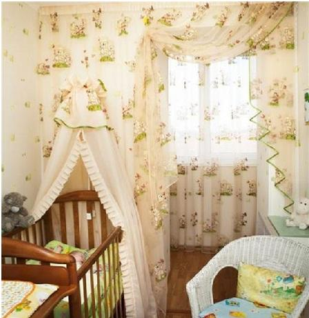 светлые шторы в детской