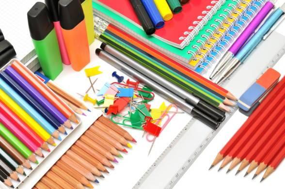 ручки и карандаши для первоклассников