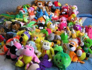 Мягкие игрушки дома - только собирают пыль