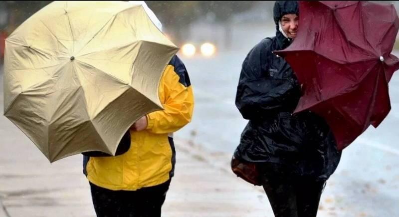 сильный дождь и ветер в новосибирске не редкость