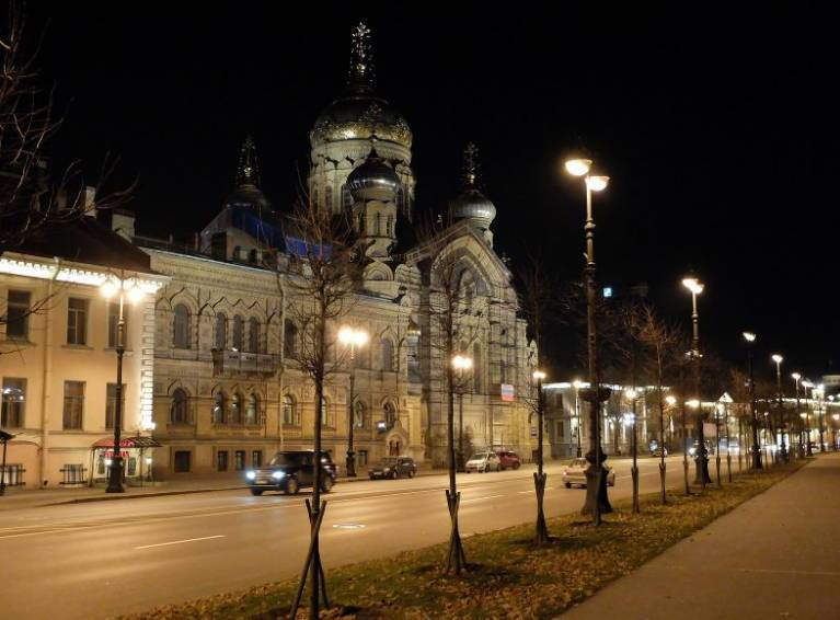 В Питере можно гулять даже ночью