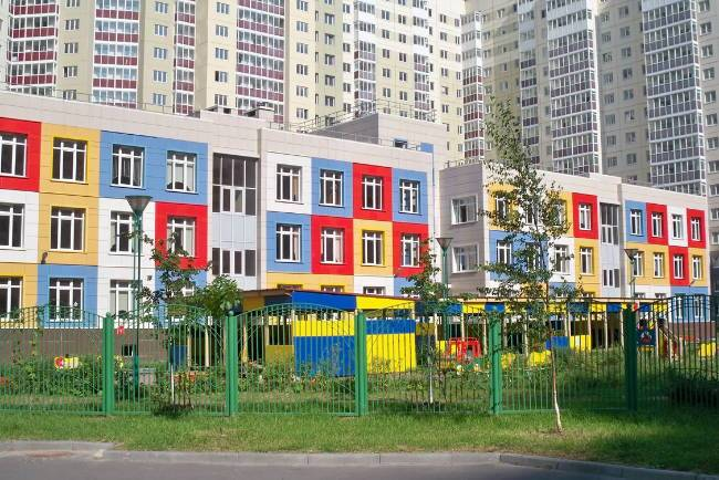детских садов в Санкт-Петербурге хватает