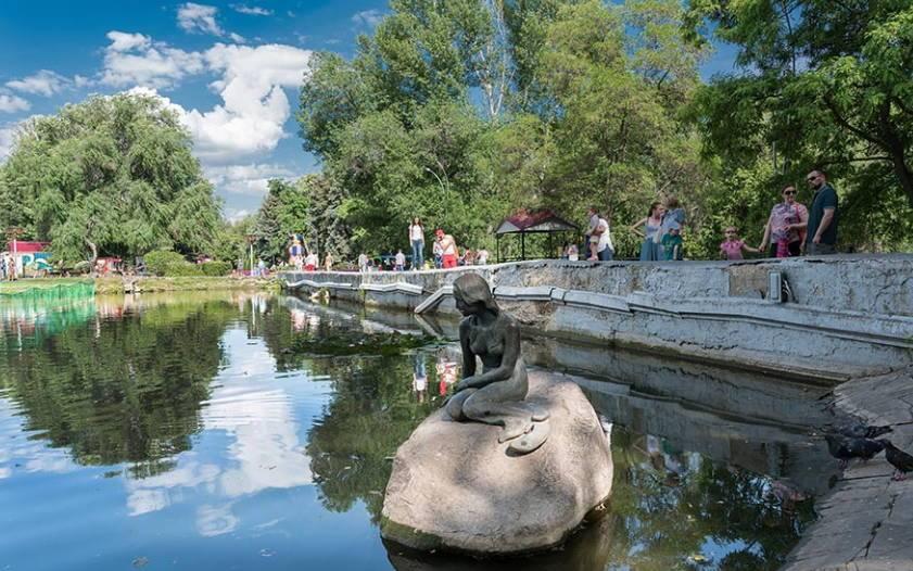парк имени Горького в Саратове - излюбленное место отдыха горожан